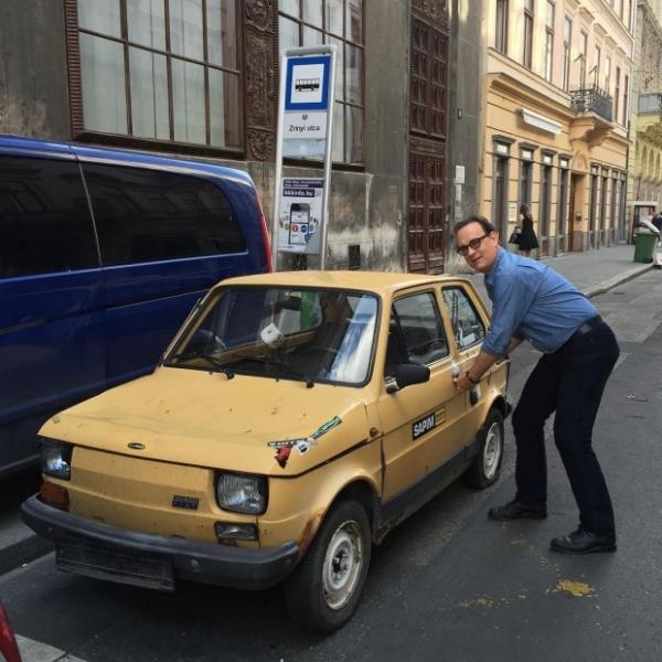 Польские фанаты купили Тому Хэнксу раритетное авто