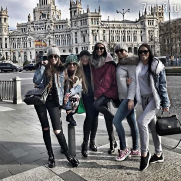 Разведенные Ольга Бузова и Дмитрий Тарасов уехали в Испанию