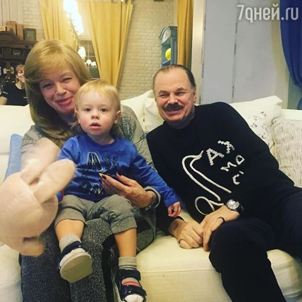 Наталья Подольская показала идиллию в семье Пресняковых
