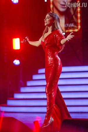 ВИДЕО: Наташа Королева зажгла в ночном клубе на Красной Поляне