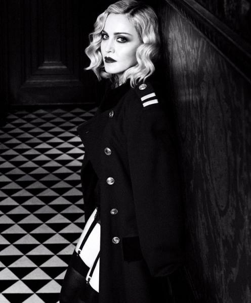 Мадонна взорвала сеть дерзкой фотосессией