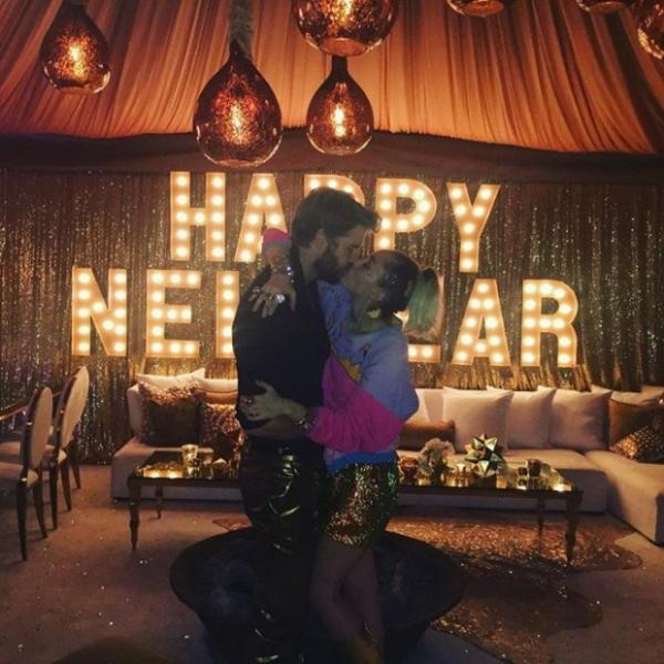СМИ: Майли Сайрус вышла замуж за Лиама Хемсворта