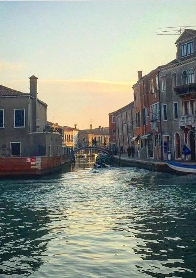 Иван Краско уединился с любимой в Италии