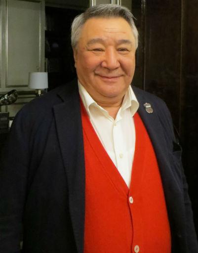 Яне Рудковской - билет в Лондон, Тине Канделаки - петушок на палочке