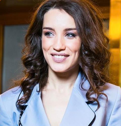Виктория Дайнеко разделась после просмотра эротического фильма