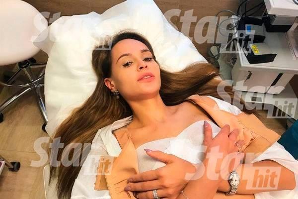 Анна Калашникова поделилась пикантными снимками после пластики груди