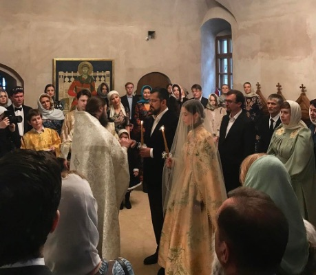 Дизайнер Алена Ахмадуллина вышла замуж за влиятельного бизнесмена