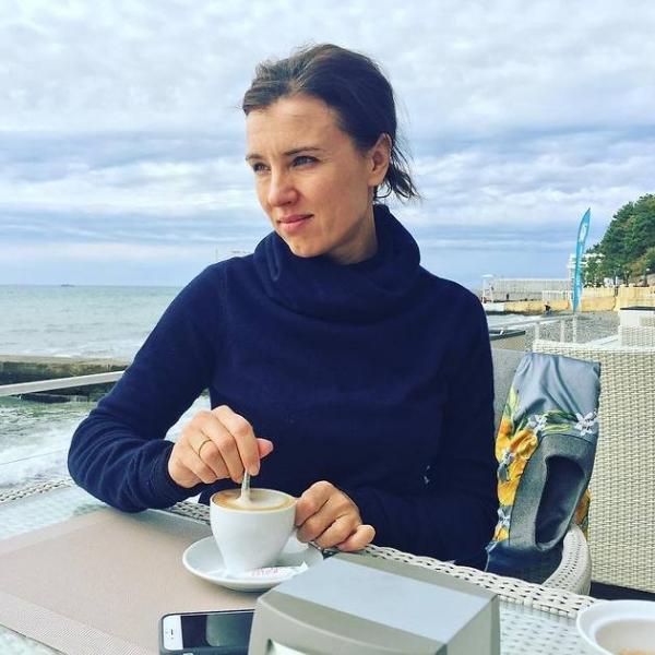 Ксения Алферова показала дочери зимнее чудо