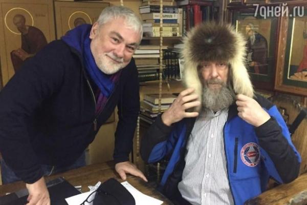 Федор Конюхов установил мировой рекорд в шапке из росомахи от Вики Цыгановой