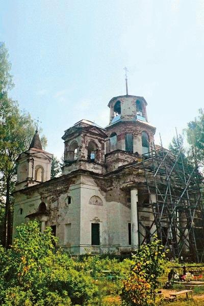 Михаил Пореченков строит храм в деревне