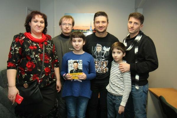 Сергей Лазарев спасает детей
