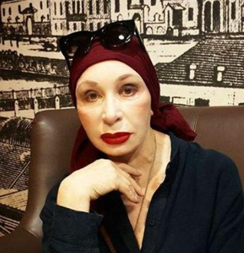 Татьяна Васильева готовится к крещению внучки