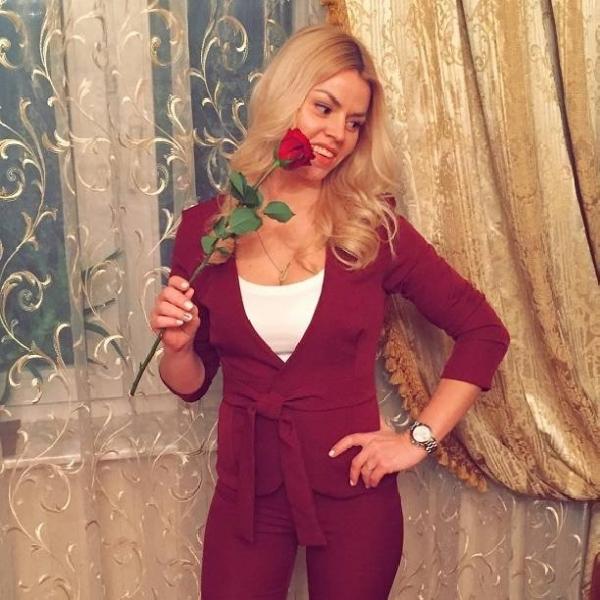 Экс-звезда Дом-2 Оксана Стрункина не может обеспечить себя и сына