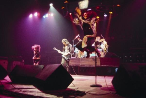 Группа Оззи Осборна Black Sabbath заявила о распаде
