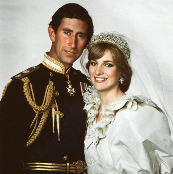 Принц Чарльз заливался слезами всю ночь перед свадьбой с Дианой