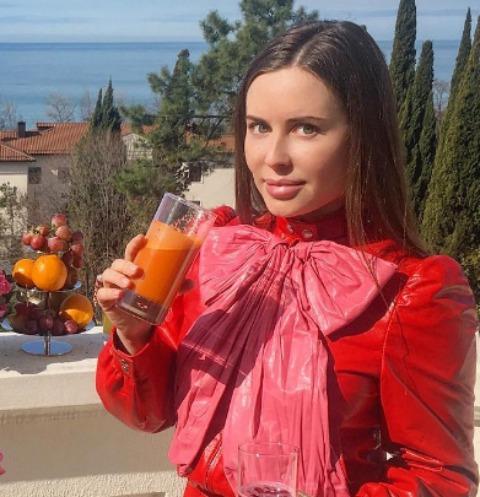 Юлия Михалкова оправдалась за слабость к щедрым мужчинам