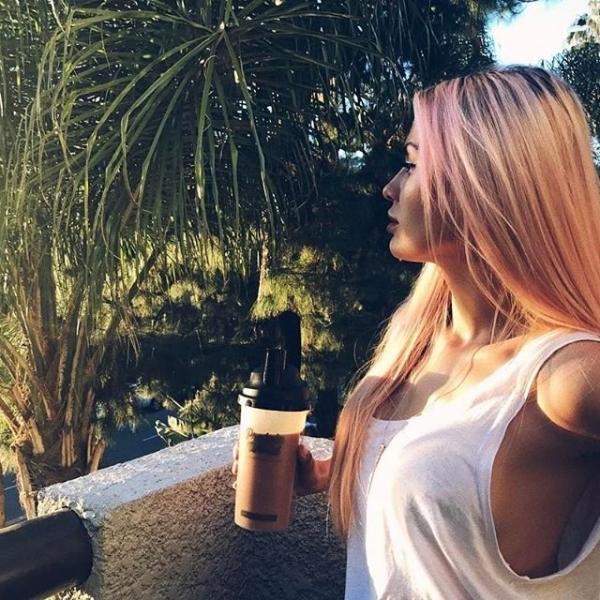 Виктория Боня показала роскошный вид из своего нового дома в Лос-Анджелесе