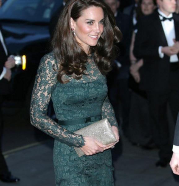 """Британские СМИ """"разнесли"""" безвкусное платье Кейт Миддлтон"""