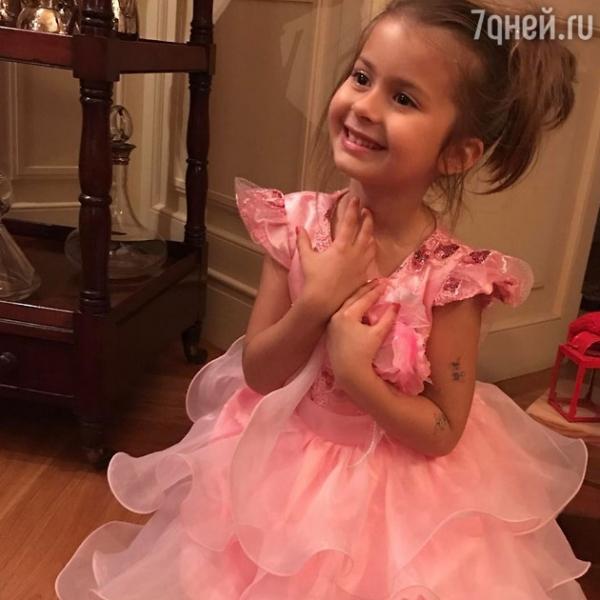 Подросшая дочка Виктории Бони стала удивительно похожа на папу