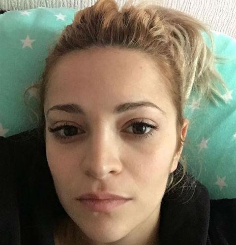 Теона Дольникова перестала прятать новорожденного малыша