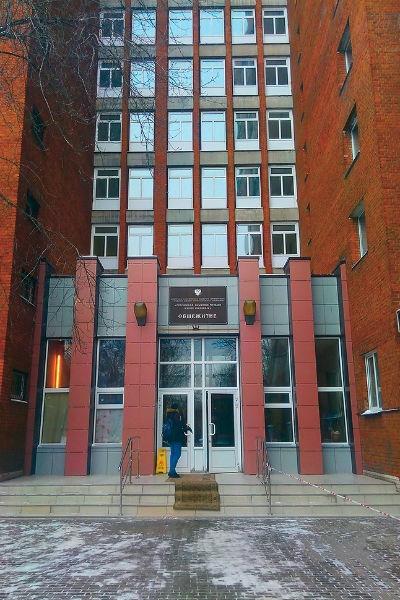 Звезда «Голоса» Эмиль Кадыров отказывается переезжать из общежития