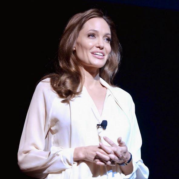 Анджелину Джоли обвиняют в использовании детей в целях восстановления имиджа
