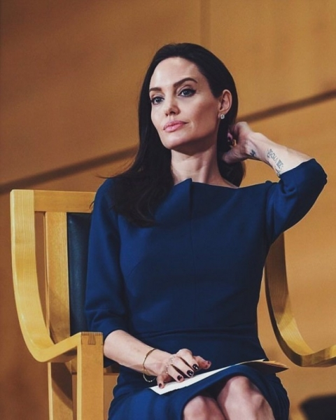 Анджелина Джоли рассказала о том, как нелегко пришлось её маме