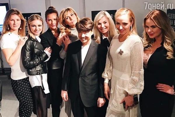 Татьяна Навка, Юлия Ковальчук и другие гости показа коллекции Валентина Юдашкина