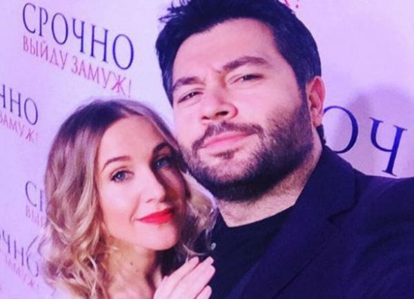 Юлия Ковальчук поздравила Чумакова с Днем Рождения, не став комментировать развод