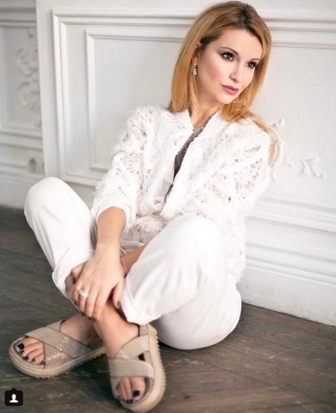 На новой фотографии Ольга Орлова выглядит, как девочка