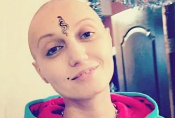 Пытаясь оправиться от рака, певица Лама Сафонова испытывает мучительные боли