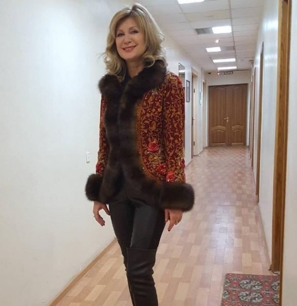 В сети появилась фотография певицы Вики Цыгановой в джакузи