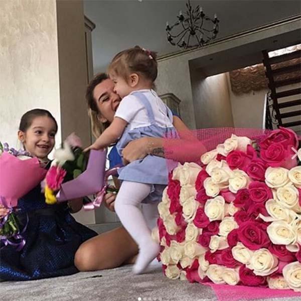 Ксения Бородина осмелилась показать лицо младшей дочери