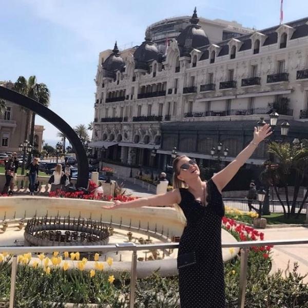 Анна Семенович выложила в сеть солнечные фото с отдыха