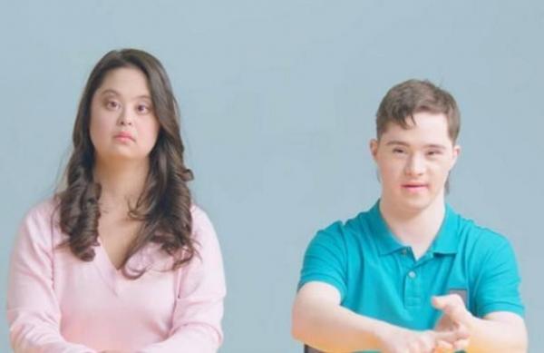 Дочка Ирины Хакамада со своим парнем снялись в ролике, рассказав о реальной жизни