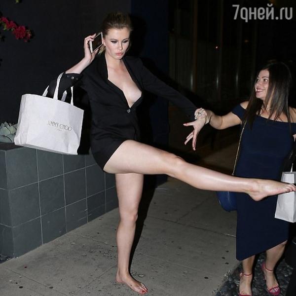 Дочка Алека Болдуина опозорилась на вечеринке