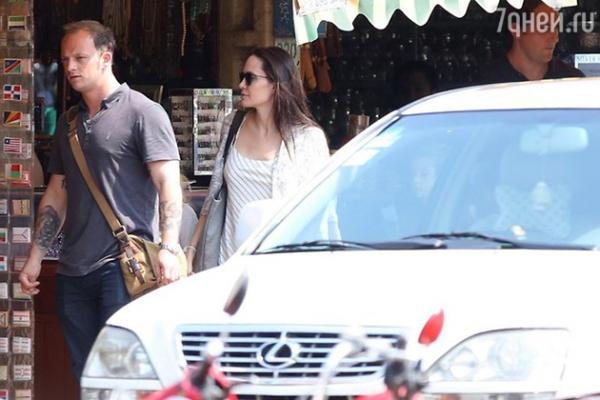 В жизни Анджелины Джоли появился новый мужчина