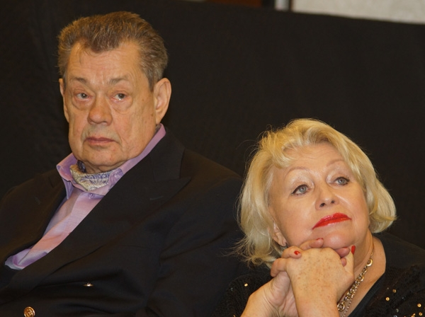Супруга Николая Караченцова связывает ДТП со злым роком