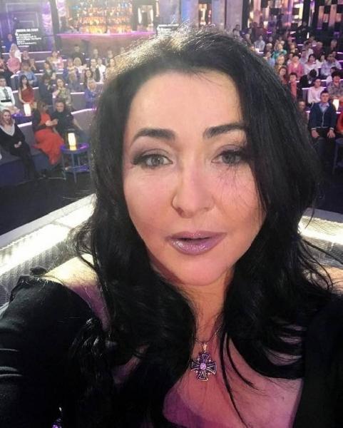Лолита Милявская испытывает трудности с пением после пластической операции
