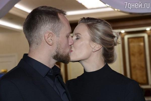 ВИДЕО: Юлия Ковальчук и Алексей Чумаков получили престижную награду