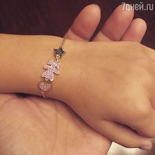 Ани Лорак сделала дочери подарок к 8 марта