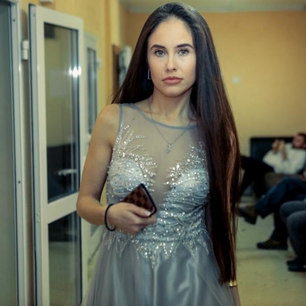Илане Юрьевой предложили 50000 долларов, если она пострижется