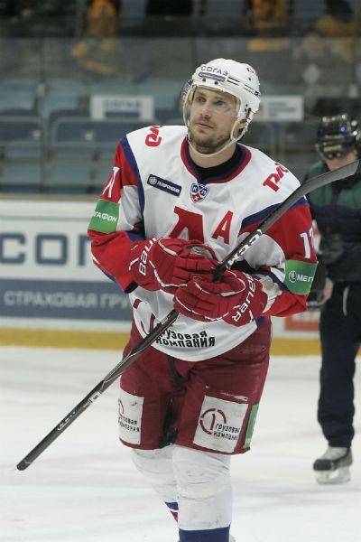 Александр Задойнов снимает фильм о погибшем хоккеисте «Локомотива»
