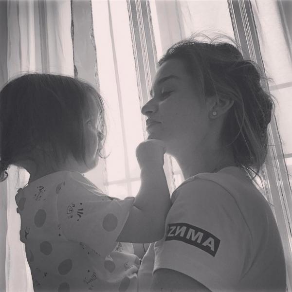 Ксения Бородина впервые показала лицо младшей дочки