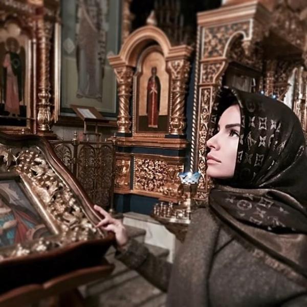 Юлия Волкова вновь сменила веру