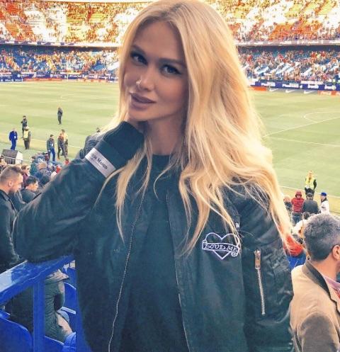 Виктория Лопырева похвасталась кольцом с бриллиантом за пять миллионов