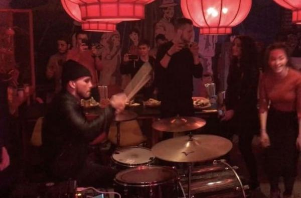Муж Виктории Дайнеко после расставания с певицей организовал шумную вечеринку
