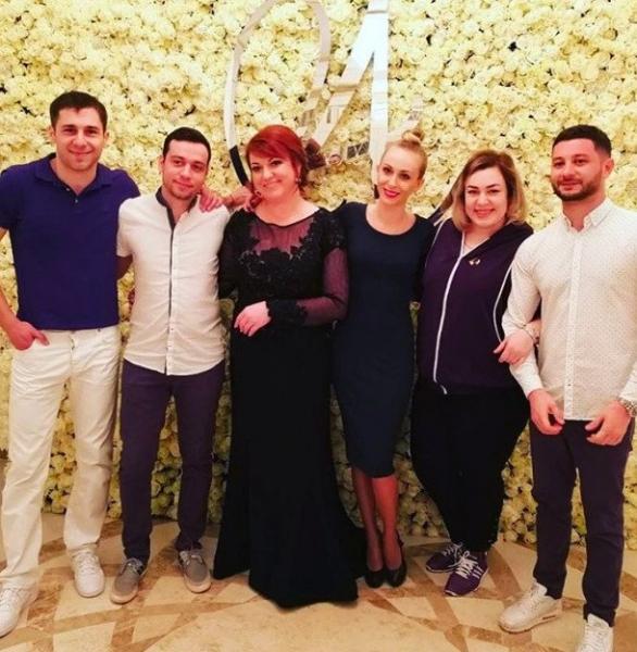 Похудевшая Ольга Картункова изменила прическу