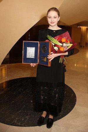 Сергей Соловьев наградил дочь Сергея Бодрова-младшего