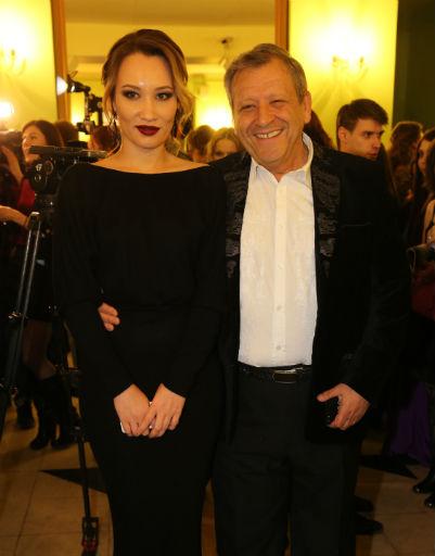 Юлия Высоцкая поразила откровенным платьем на церемонии «Ника»